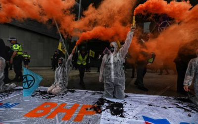 Extinction Rebellion demand no new fossil fuels at Perth oil and gas conference